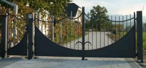 Kovana drsna vrata